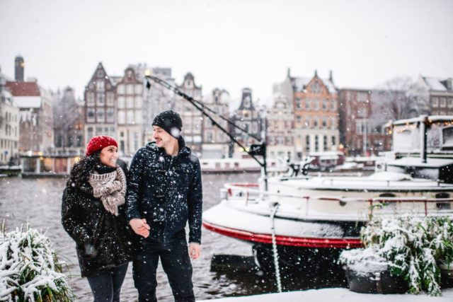couple in snow in Amsterdam