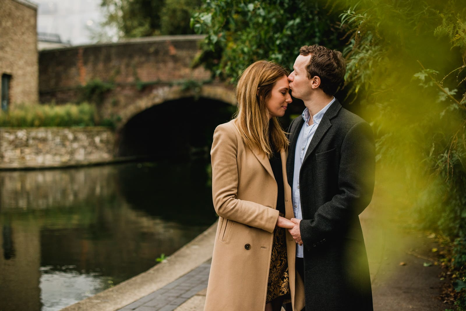 canal couple shoot in London