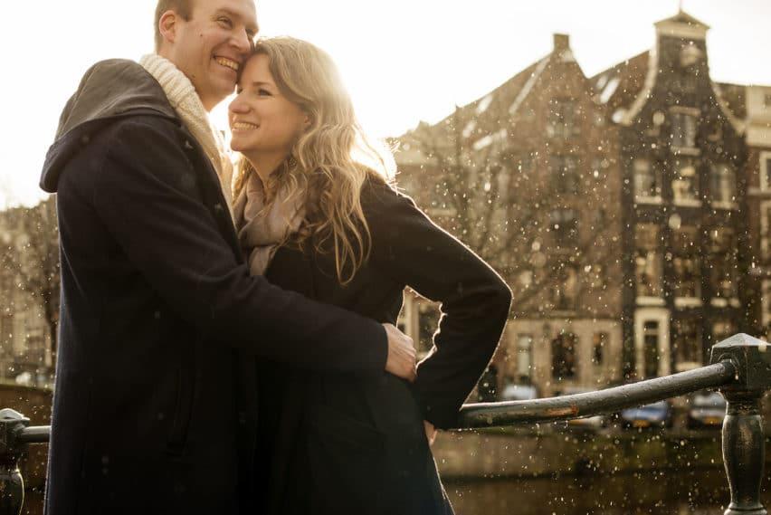couple in rain in Amsterdam