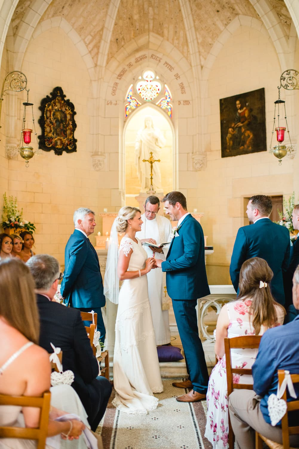wedding ceremony in the chapel of Chateau de Lacoste