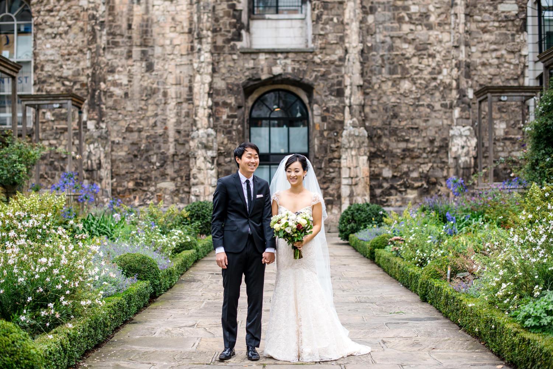 Christ Church Greyfriars wedding portraits