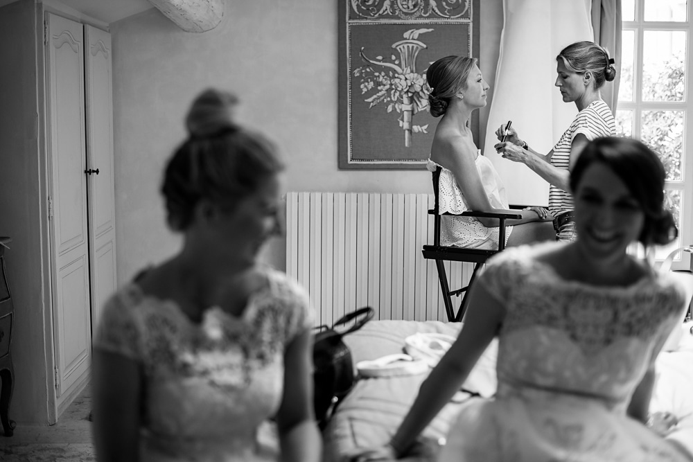 bride getting ready at Le Mas de La Rose France