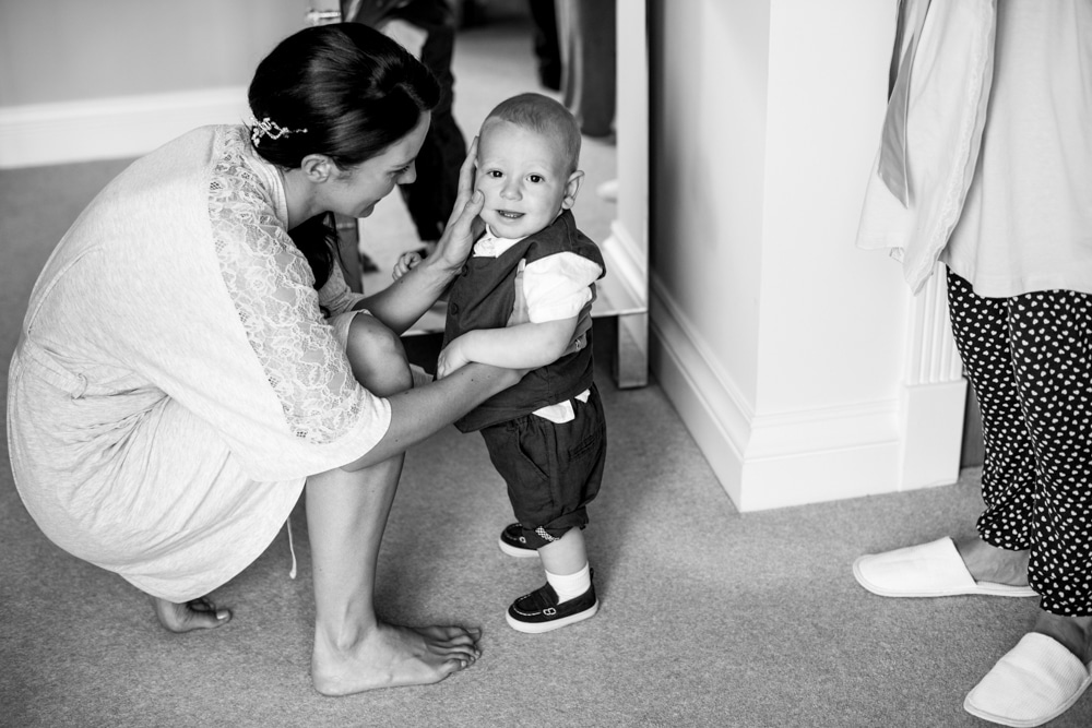 bride and little pageboy
