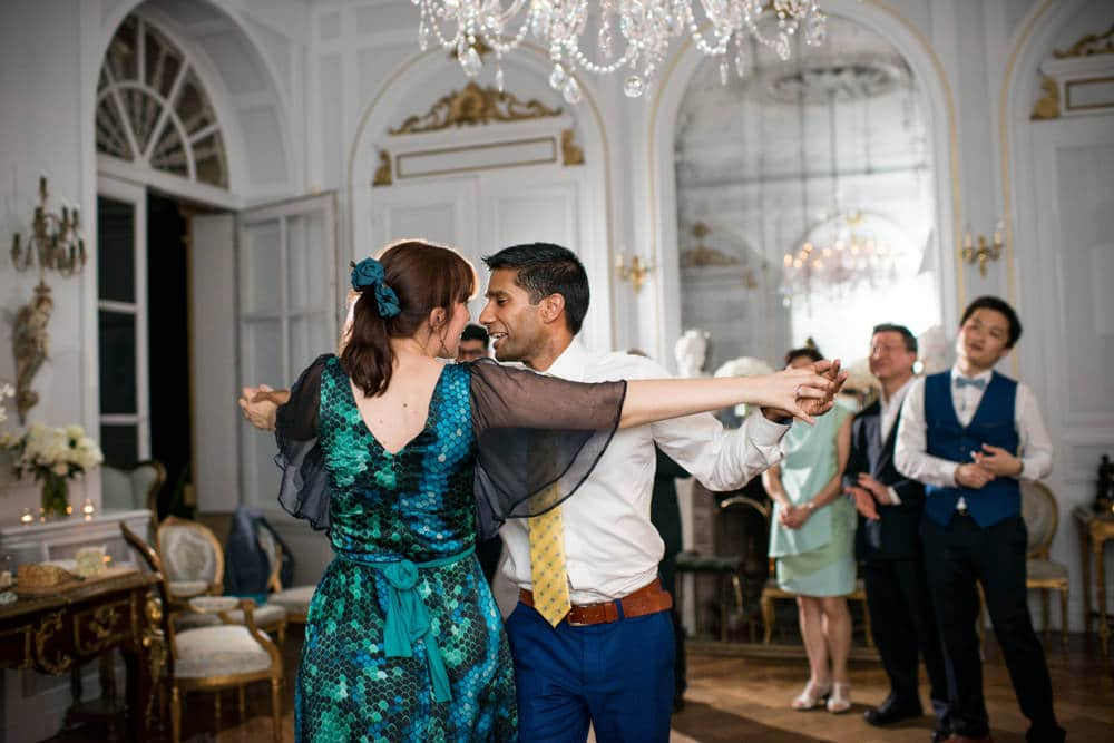 Guests dancing at Chateau La Durantie