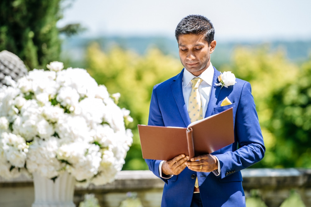 Best man reading