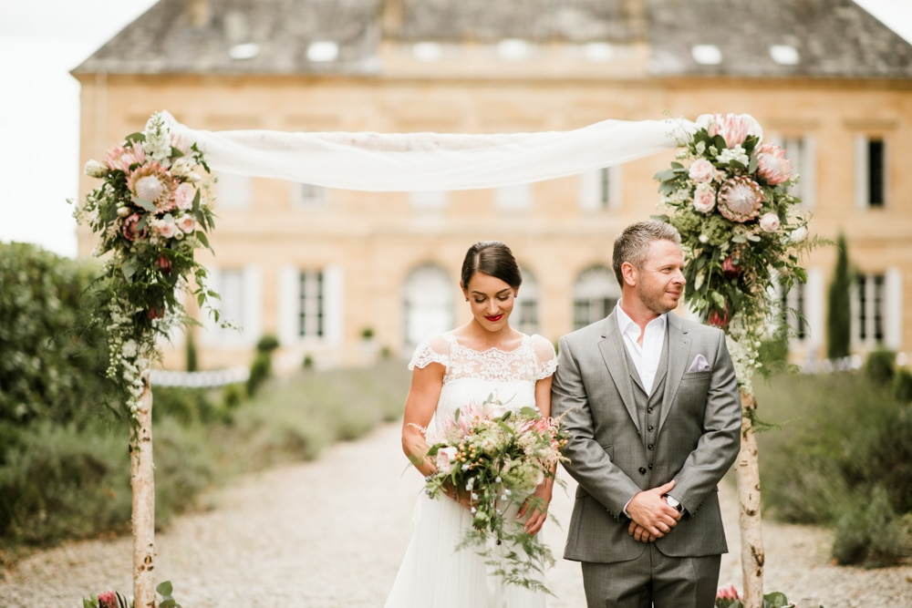 ceremony in the gardens of Chateau La Durantie France