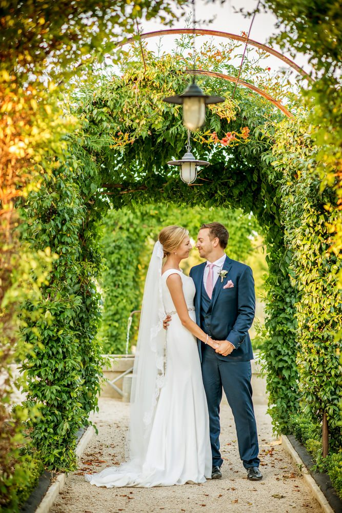 le mas de la. Bride And Groom In Gardens At Le Mas De La Rose France E