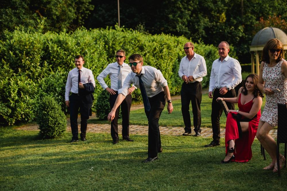guests playing games at Surrey wedding