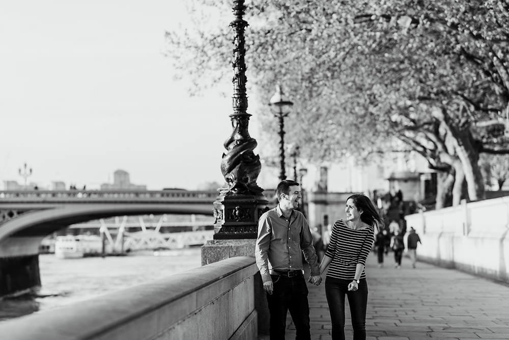 Couple shoot along Southbank walking together