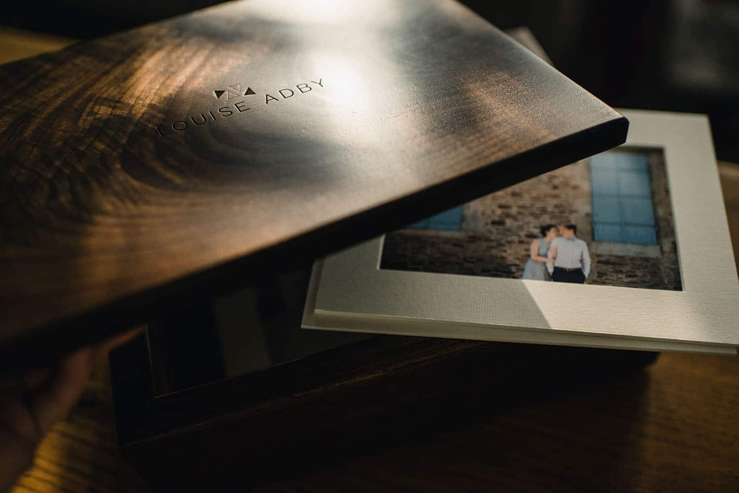 wooden engraved photobox with prints