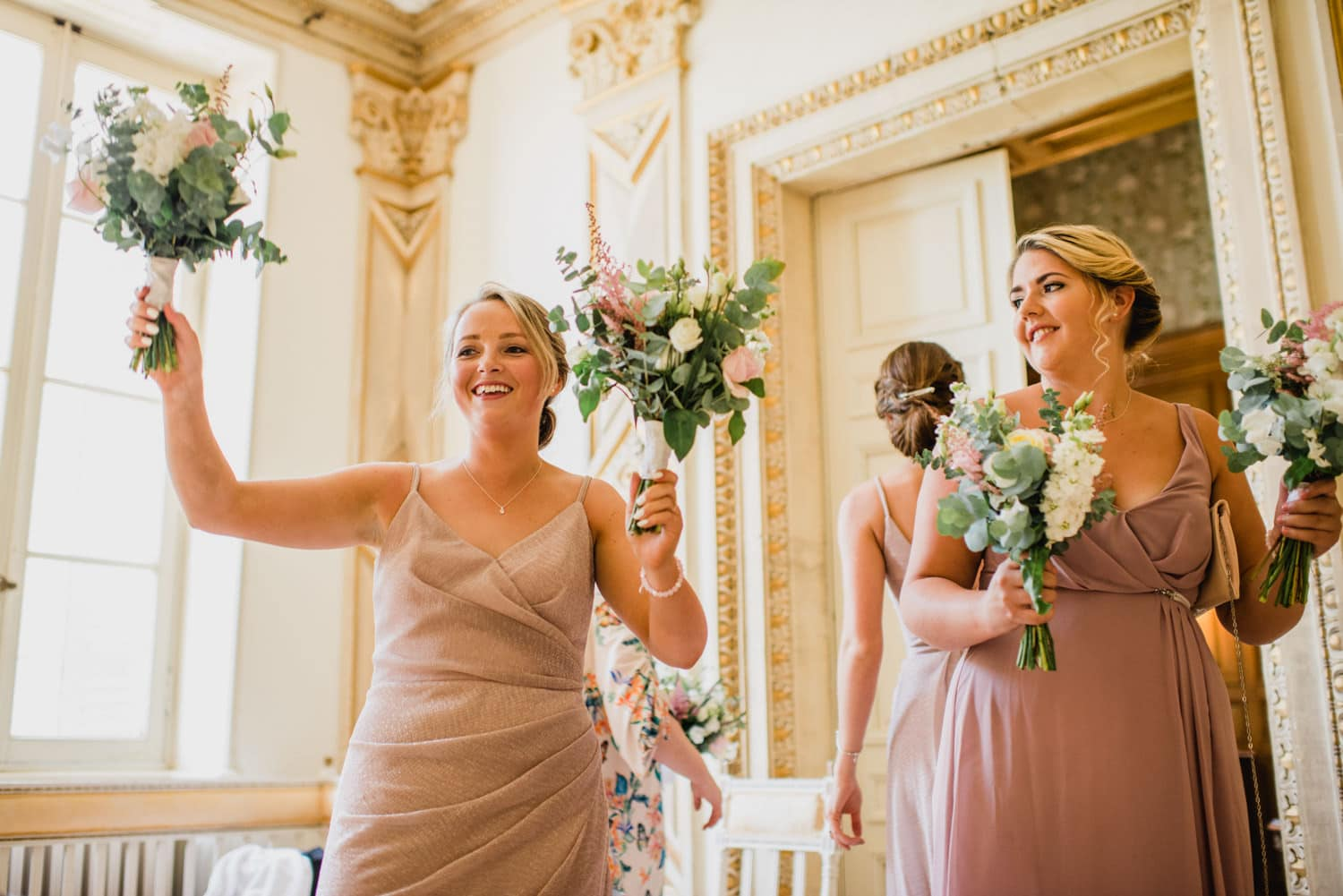 bridesmaids inside chateau la Durantie