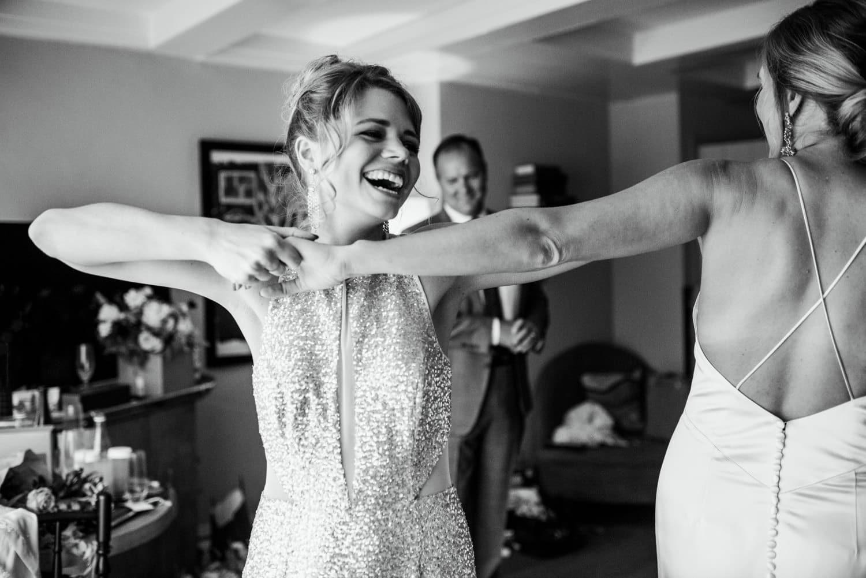 dancing bridesmaids at Pulitzer Hotel Amsterdam