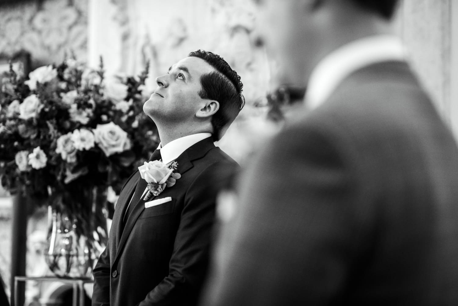 groom waiting for bride at Pulitzer Hotel Amsterdam