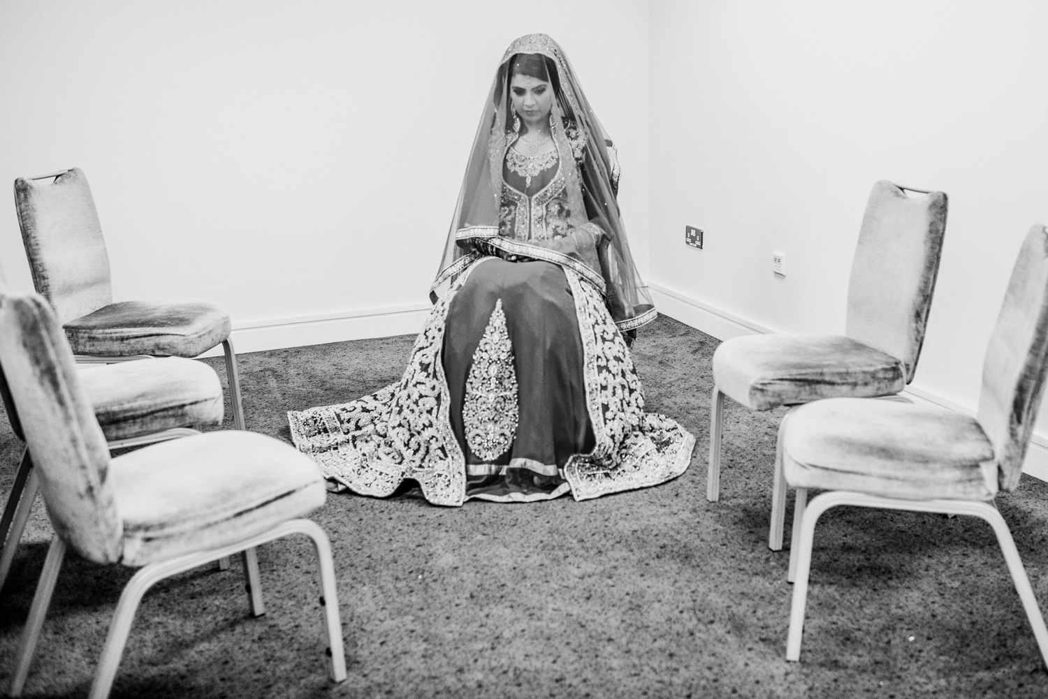 bride waiting for the nikha
