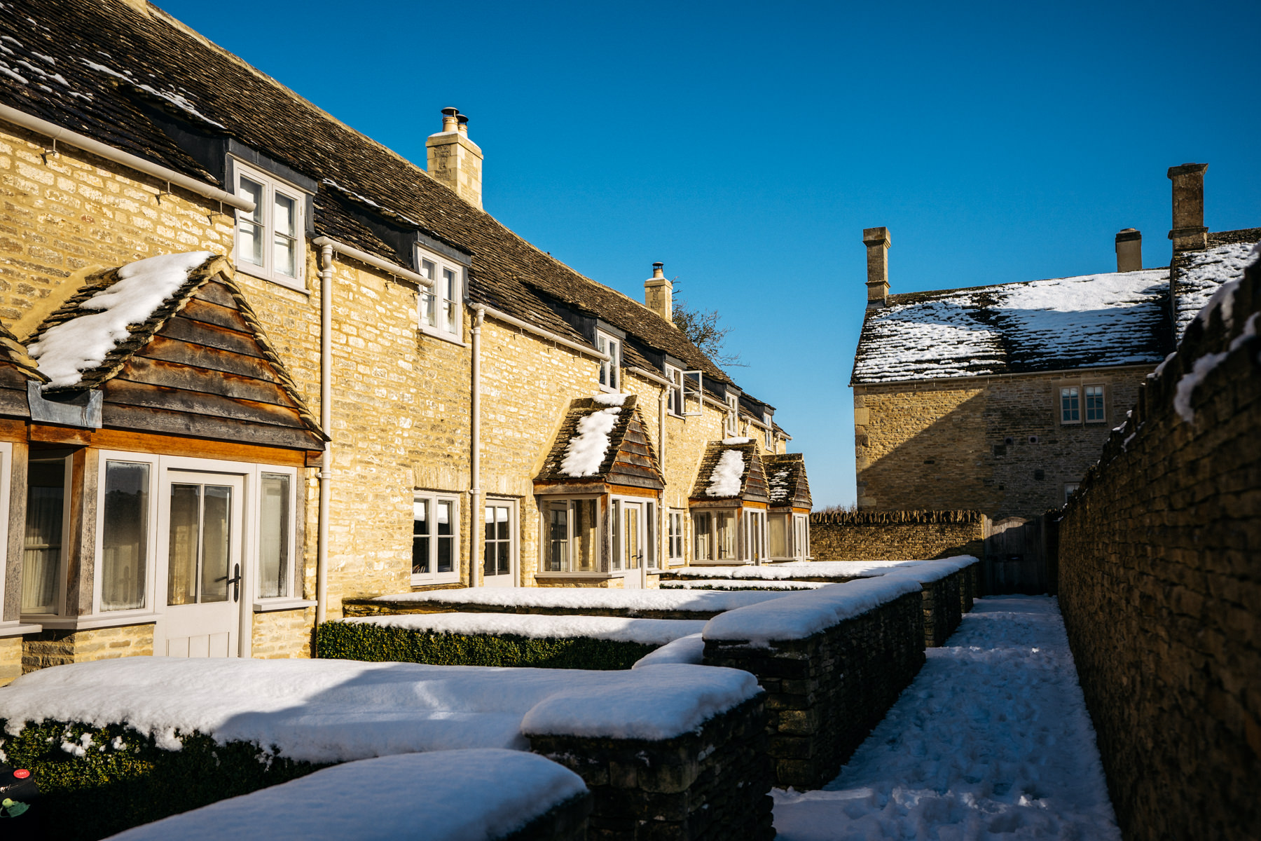 Cotswolds snow wedding