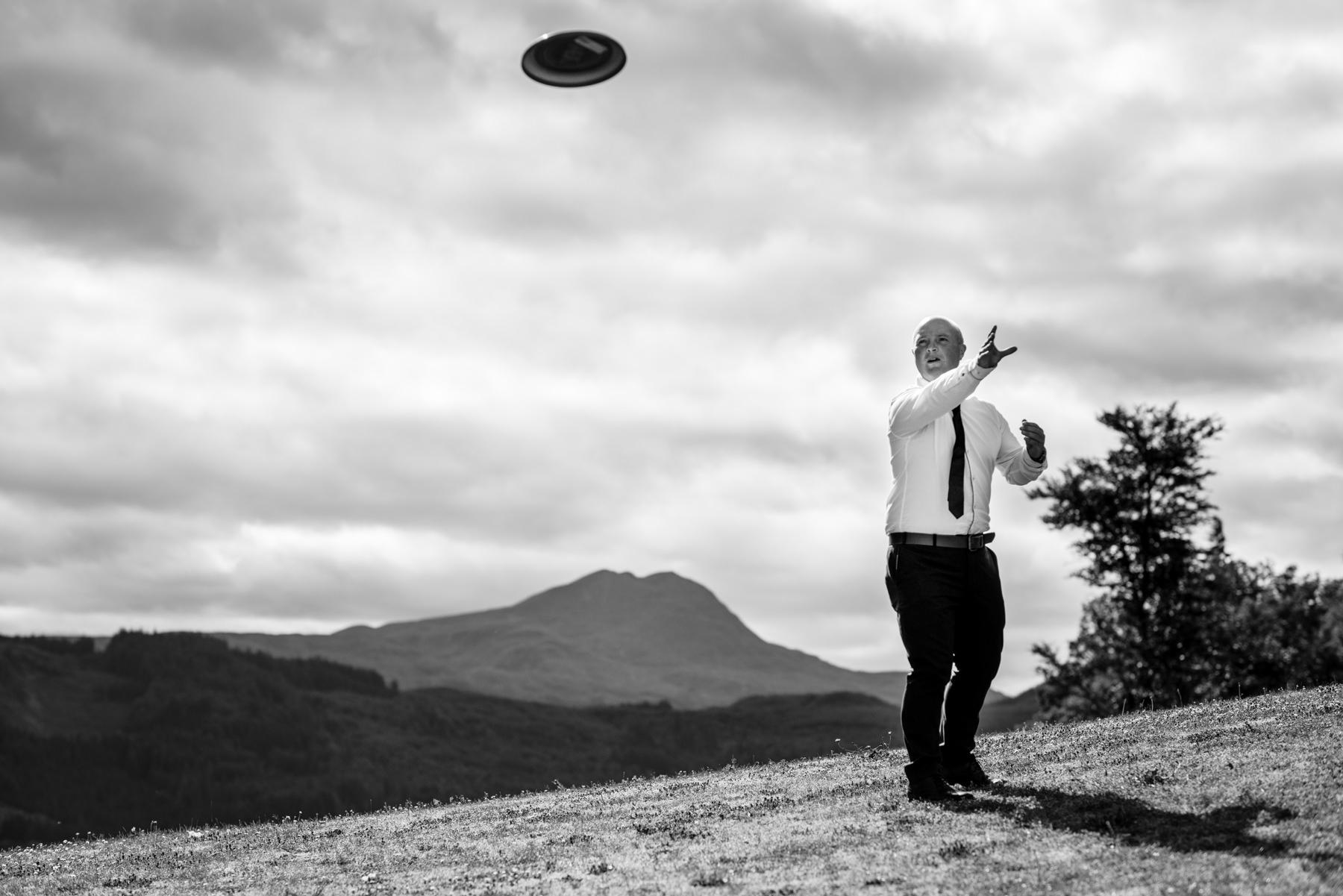 frisbee at wedding